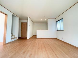 【前面道路含む現地写真】練馬区大泉町1丁目 全16区画のビッグプロジェクト