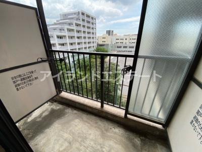 【バルコニー】シャンテ三宿 ペット相談可 バストイレ別 室内洗濯機置場