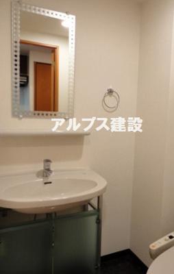 身支度便利な独立洗面台
