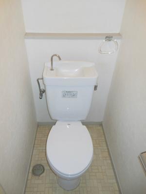 【トイレ】ラフォーレ代田A棟 内装リフォーム済 南向き トランクルーム貸有