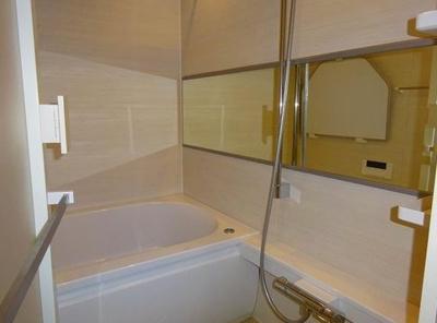 本郷春日マンションのお風呂です。