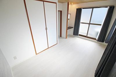 【洋室】ピュアコート6番館