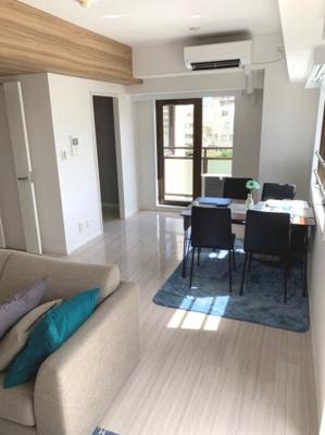 動線も考えられた家具の配置。