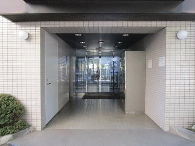 【エントランス】ドアーズ中野