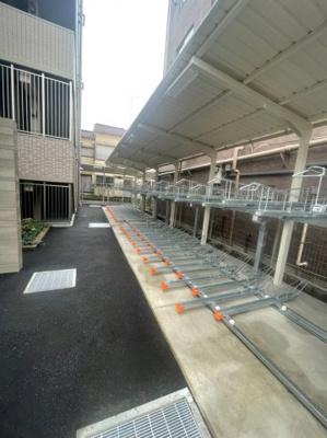 屋外自転車駐輪場