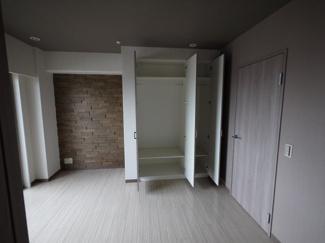 【寝室】六甲一番館