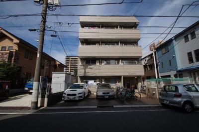 京浜東北線「川崎駅」徒歩14分のマンションです。
