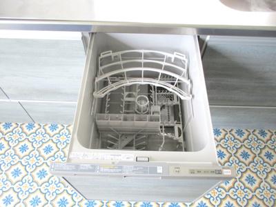 食洗器付システムキッチン。