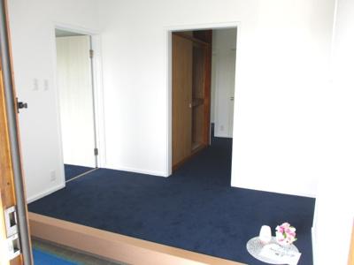 玄関の空間が広くお好きなシューズボックスが置けます。