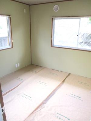 北側に位置する和室ですが、明るいです。