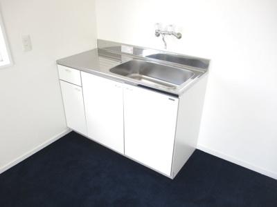 2階に簡易的なキッチンがございます。
