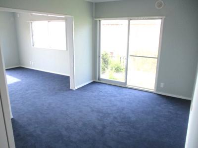 1階の洋室は、広く利用もできますが、区切ることもできます。