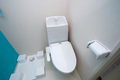 ネット無料。コンパクトで使いやすいトイレです