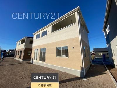 壁内部に面材プラス筋かいを入れた耐震住宅のクレイドルガーデンです。 設備、内部スペース、家具配置など図面で想像するのではなく、実際に目で見て体感できるのが分譲住宅の良い所です。