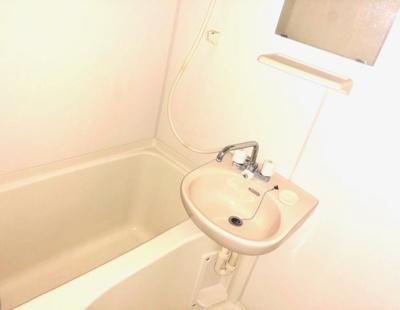 【浴室】レオパレススコッツ カーク