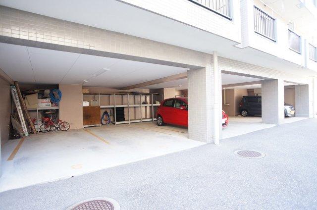 屋内駐車場月額13,200円