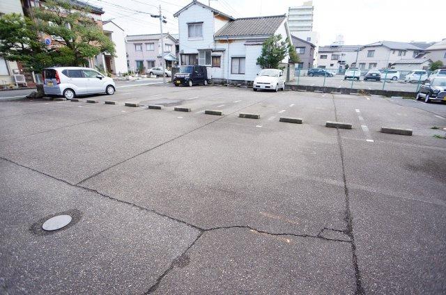 【駐車場】トラパレス