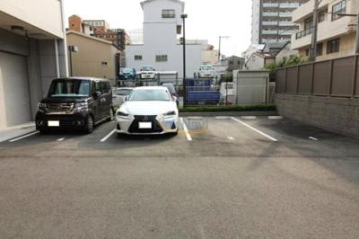【駐車場】エステムコート難波WEST-SIDEⅤアジュール