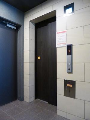 防犯モニター付セキュリティエレベーターです