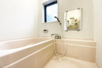 追い炊き機能付きのお風呂で、ご家族の入浴時間がバラバラでもいつでもあたたかいお風呂に浸かれます。