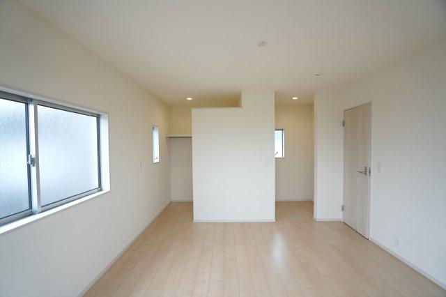 【同仕様施工例】2階8帖 WICが2ヶ所あるお部屋です。