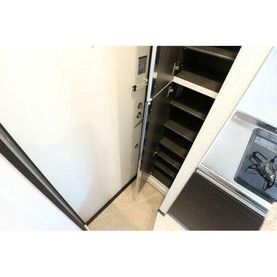 【玄関】エルカーサ平和台