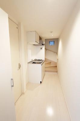 廊下とキッチン