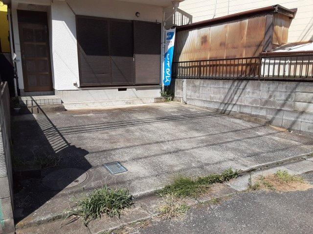 【駐車場】●仲介手数料無料です● 中古戸建て 鎌ケ谷2丁目 リフォーム完了で綺麗になりました。すぐにご入居できます!