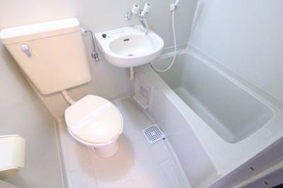 【浴室】ハウス虹
