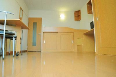 2Fの床は絨毯になります。