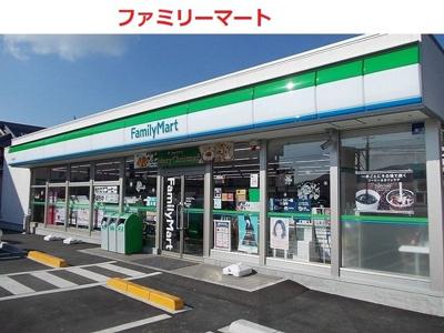 ファミリーマート 呉川尻店まで1000m