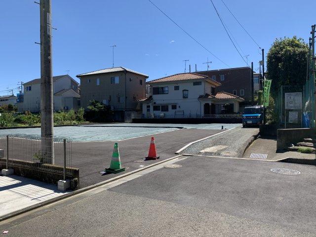 区画前の公道からの眺め