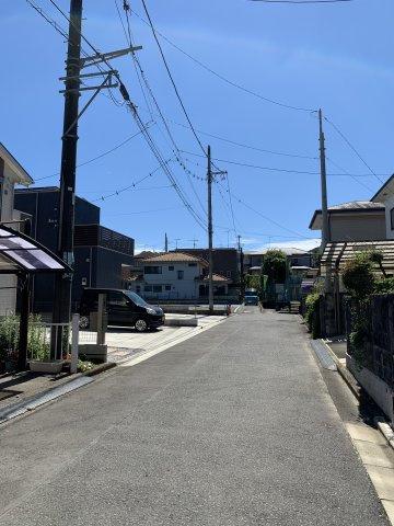 ※左奥に対象区画あり 周辺の道路は車通りが少ないので、安心して生活していただけます☆