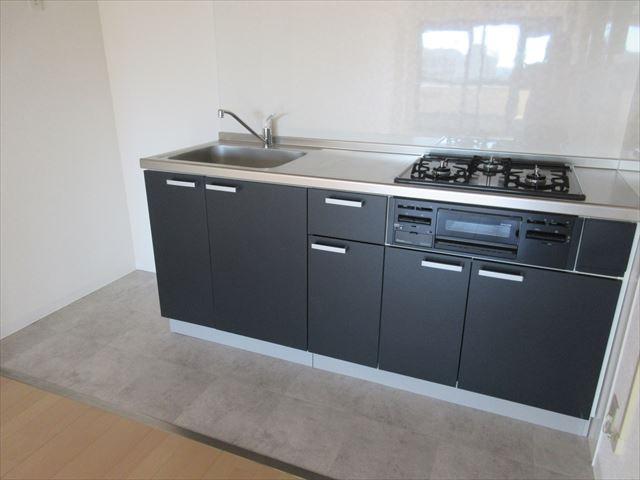 新しいキッチンは毎日のお料理も楽しくなりますね♪