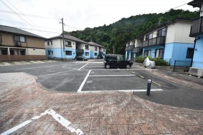 【駐車場】メゾンエムロード B棟