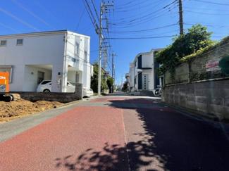 (南西側)落ち着いた住宅街の静かな街並みが広がります