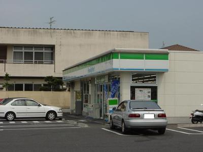 ファミリーマート小倉南方二丁目店まで123m
