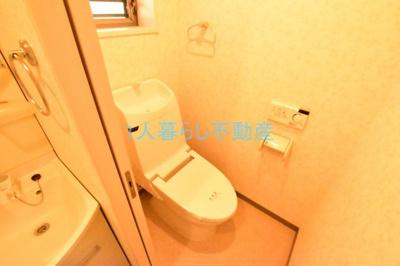 ウォシュレット完備のトイレでおしりも安心。