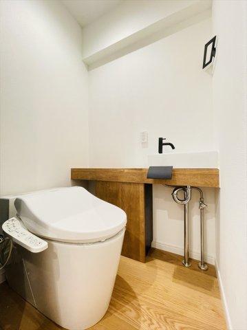 トイレには嬉しい手洗いも配備されております!