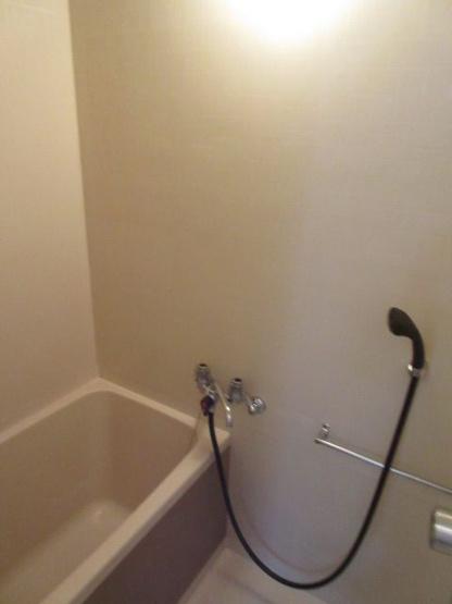 【浴室】満室想定10パーセント!角地の一棟収益アパート