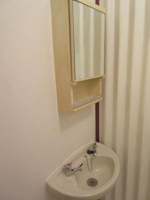 【洗面所】満室想定10パーセント!角地の一棟収益アパート