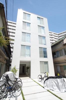 京浜東北線「川崎駅」徒歩10分の築浅賃貸マンション。