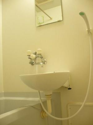 風呂・トイレ別です。