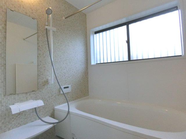 【浴室】港南区日野戸建