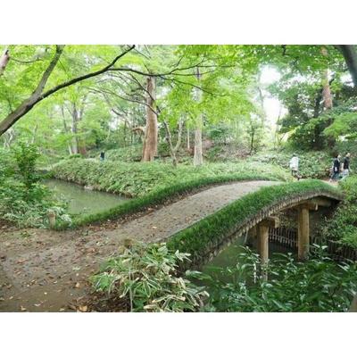 公園「六義園  まで1200m」