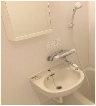 お掃除らくらく洗面台付バスルーム(同一仕様)