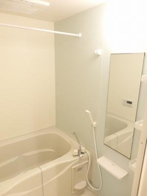 【浴室】リバーサイド真倉 A