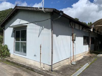 【庭】西脇市富吉上町中古住宅880万