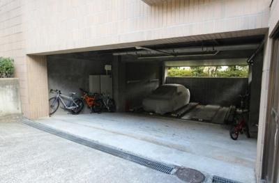 【駐車場】ヒルトップ野沢 礼金0 オートロック 独立洗面台 2人入居可