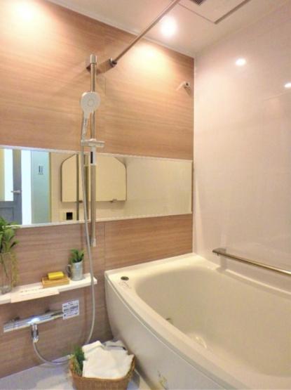 サンリット西新井:浴室乾燥機・追い焚き機能付き浴室です!